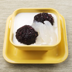 Toddy Palm in Vanilla Sauce with Thai Black Glutinous Rice