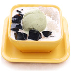 Coconut juice sago&grass jelly with vanilla/green tea ice cream